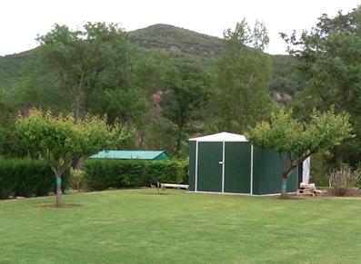 Un Garage Au Fond Du Jardin Une Pi Ce De Plus La Maison