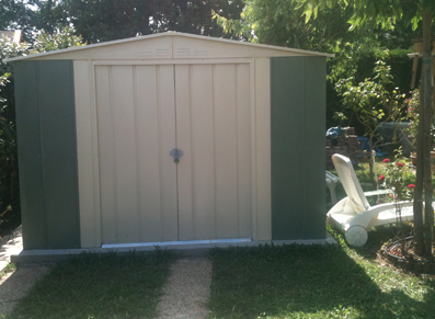 Un abri pour vos outils de jardin petit prix blog for Abri piscine pas cher occasion
