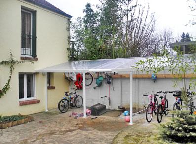 Un abri terrasse facile installer pour prot ger votre for Abri de terrasse