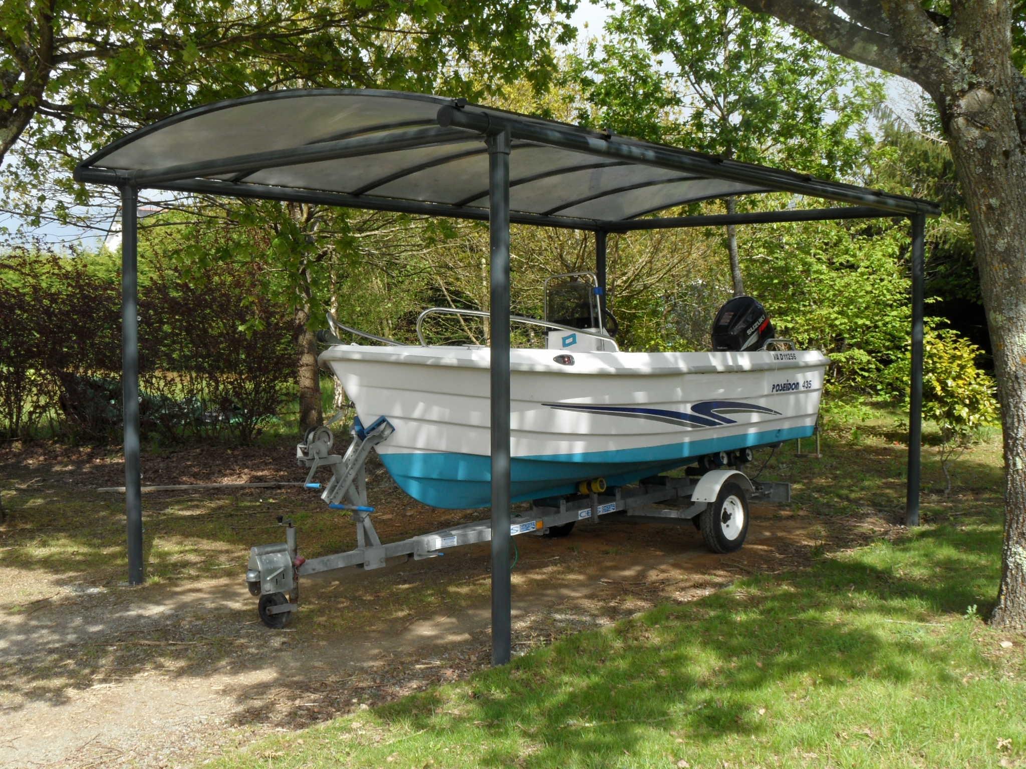 Installation d un abri pour prot ger son bateau de la - Abri pour bateau ...