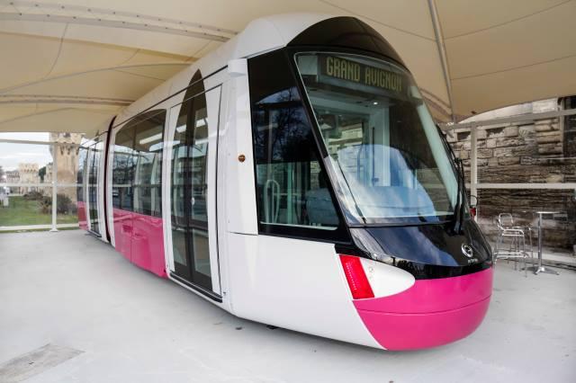 Abri pour prototype rame de tramway