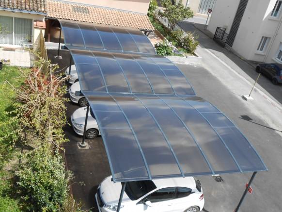 Comment installer un abri voiture m tallique nos tapes de montage d voil e - Abri terrasse polycarbonate ...