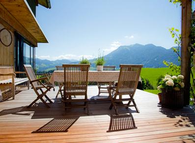 Le mobilier de jardin en bois se refait une beauté – Blog : conseil ...