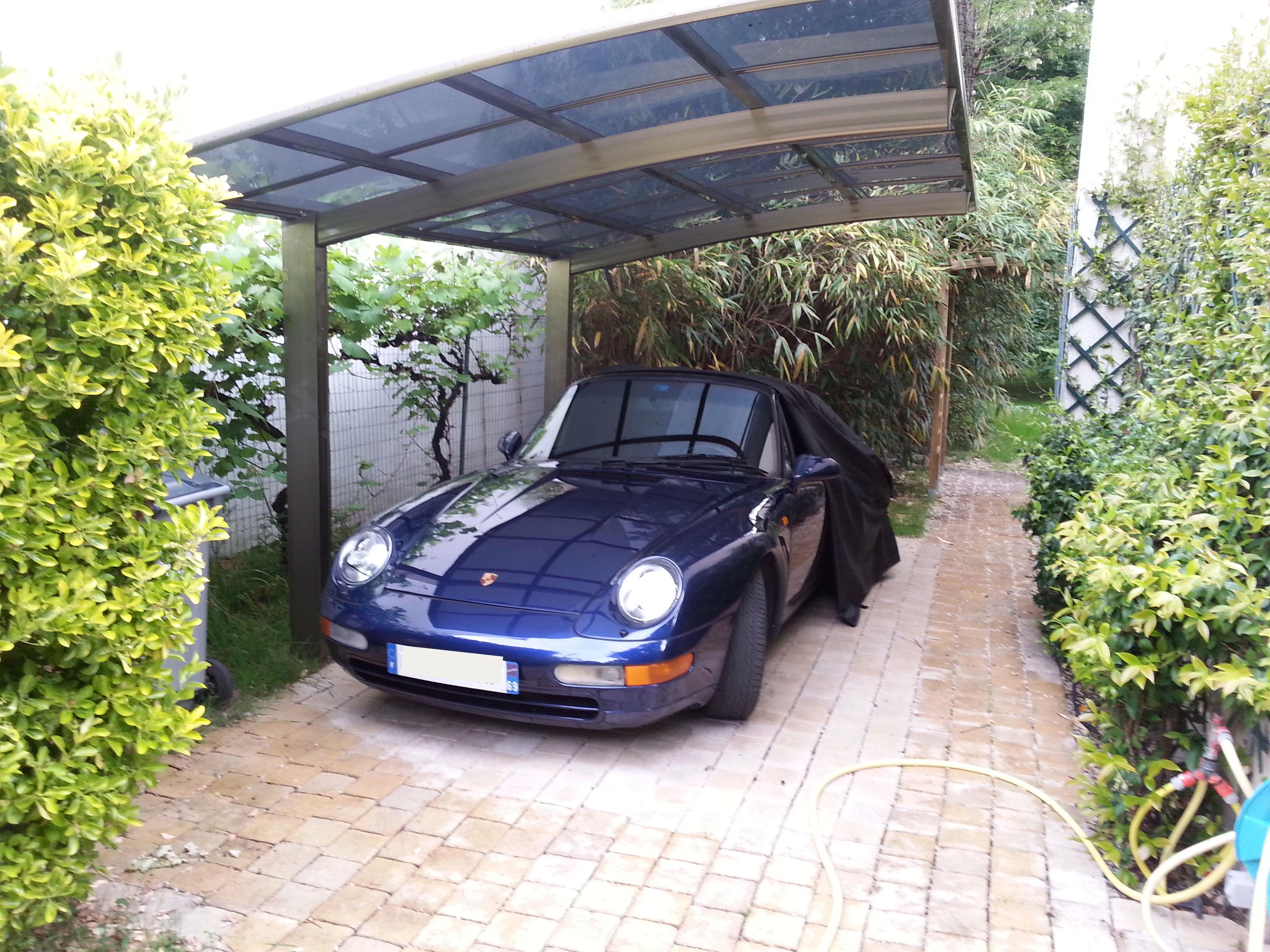 La solution carport et abri pour prot ger une voiture de - Combien un garage reprend une voiture ...
