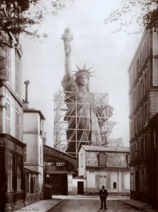Construction de la Statue de la Liberté à Paris