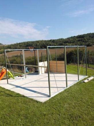 Abri jardin métal et panneaux en cèdre blanc du Canada