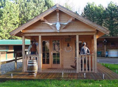 Un chalet en bois brut livr cl en main transform en ranch - Petit chalet en bois habitable ...