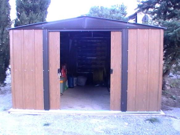 Garage métallique imitation bois