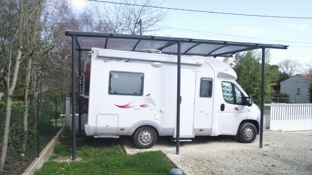 Abri-camping-car-metal