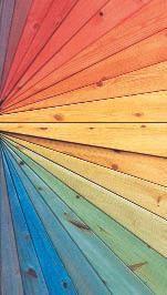 planches de bois colores par la lasure