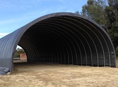 Tunnel de stockage agricole de forme arrondie