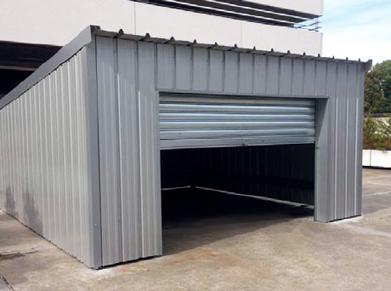 Créez votre garage sur-mesure à partir d'une simple charpente métallique !