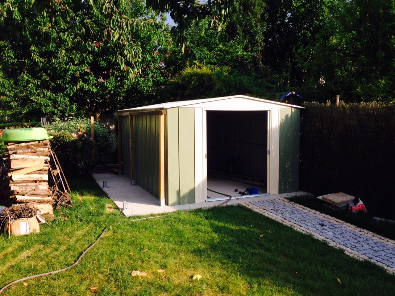 Un abri m tallique au fond du jardin a voir blog for Abri jardin metallique
