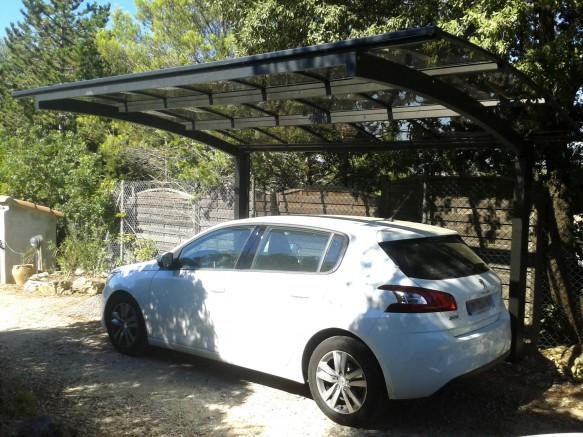 Carport en aluminium résistant