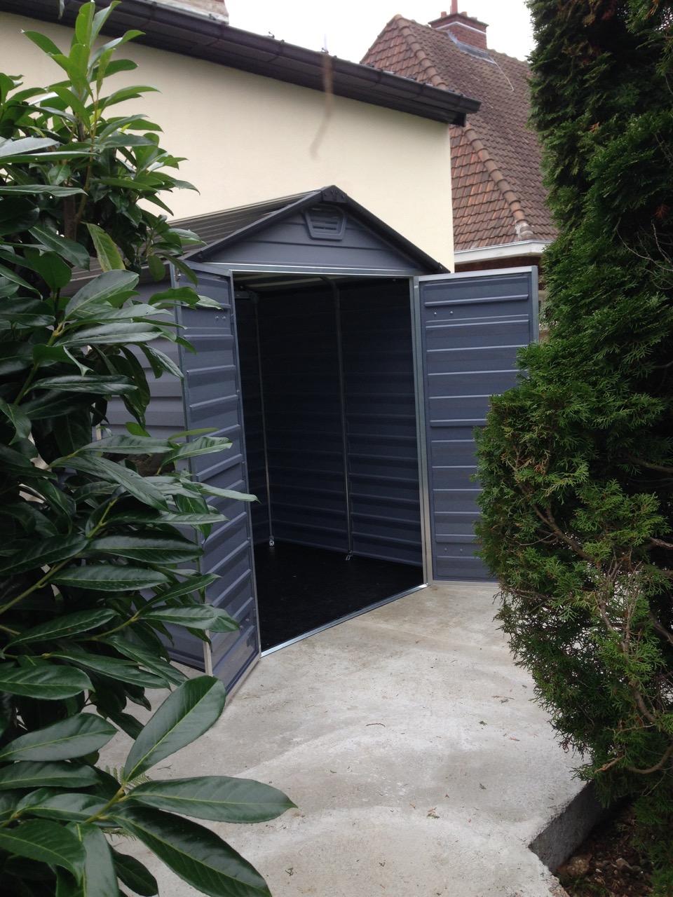 Un joli abri de jardin en r sine couleur gris anthracite blog conseil abri jardin garage - Abri jardin gonesse amiens ...
