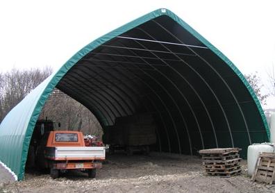 Grand tunnel de stockage agricole