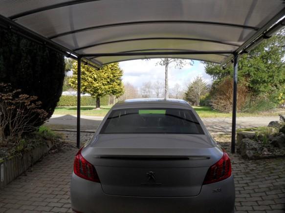 Abri voiture vue dessous protection
