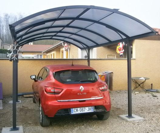 abri de voiture en aluminium et polycarbonate