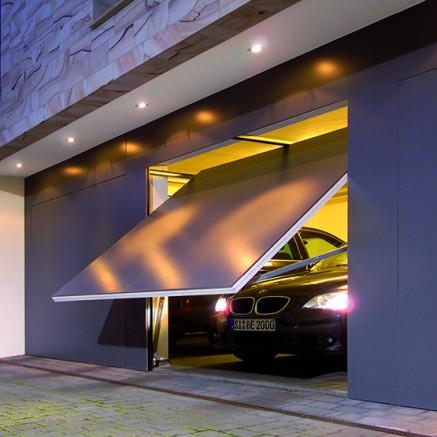Une porte de garage automatique la solution pratique for Ouverture de garage