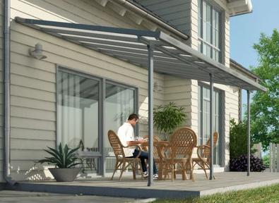 Toit terrasse en aluminium pour abriter les tables de cafés et restaurants