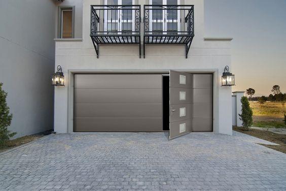 une porte de garage automatique la solution pratique. Black Bedroom Furniture Sets. Home Design Ideas