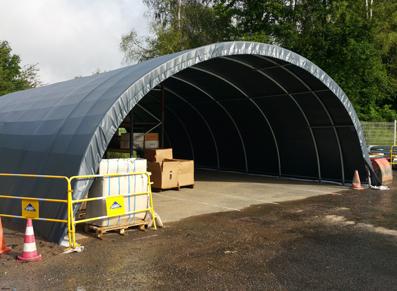 un tunnel de stockage réalisé avec assistance au montage