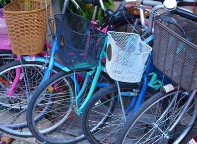 Idées pratiques pour ranger les vélos dans un espace confiné
