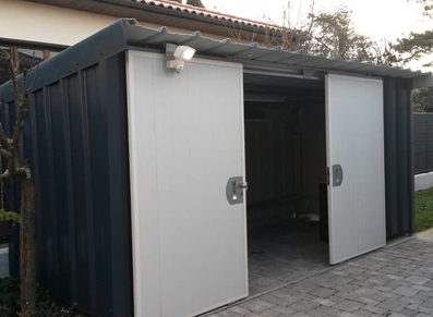 abri-metal-portes-coulissantes