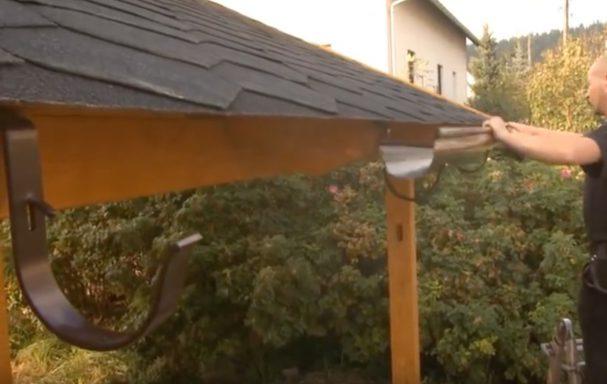 Gouttière latérale pour carport en bois