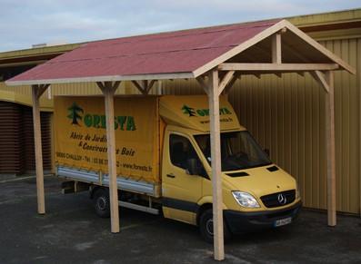 Abriter sa camionnette ou son utilitaire à la maison sous un abri camping-car ou une ossature bois