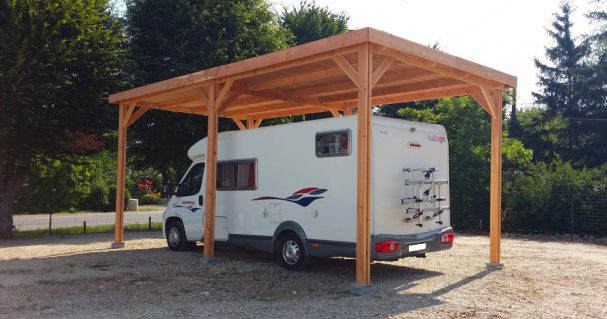 Abri camping-car en bois Douglas à toit plat
