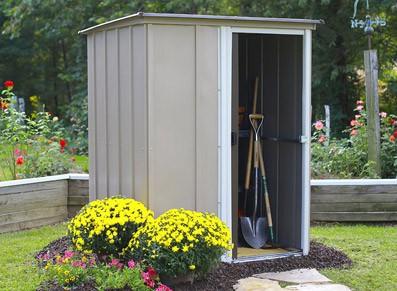 Petit abri métallique en acier galvanisé à installer au jardin