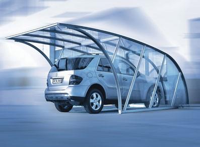 Un abri voiture carport aluminium anodisé et polycarbonate