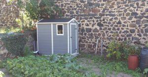 Installer son abri de jardin ou son carport dans une zone for Cabanon de jardin en pvc