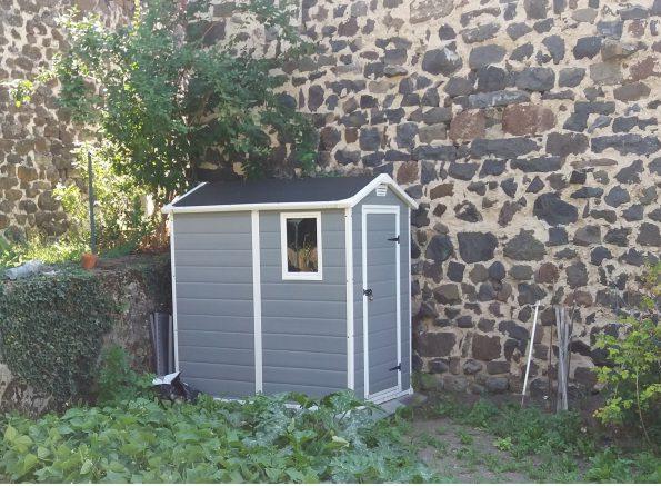abri de jardin de petite taille pour un potager. Black Bedroom Furniture Sets. Home Design Ideas