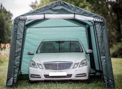 Pour garer sa voiture, pourquoi pas une tente de garage en toile ?