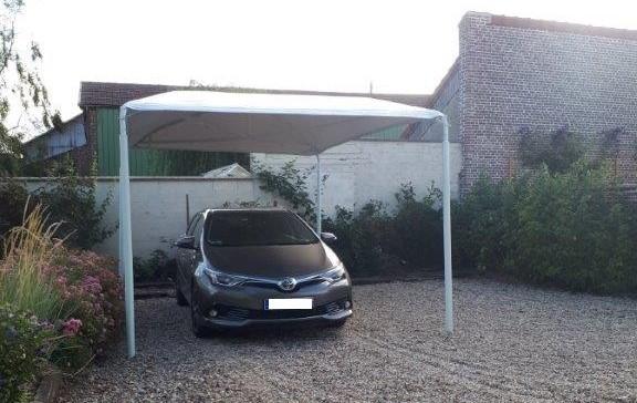 La solution abri voiture pour protéger son véhicule sous une structure métal et PVC