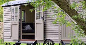 faire un auvent d 39 accueil avec un abri terrasse l 39 astuc pro prix malin. Black Bedroom Furniture Sets. Home Design Ideas