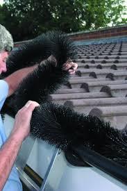 La pose d'un hedgehog dans sa gouttière est facile