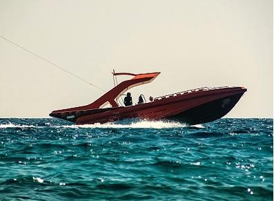 abri pour véhicule de loisirs et bateaux
