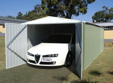 un garage m tal pour sa voiture id e carport. Black Bedroom Furniture Sets. Home Design Ideas