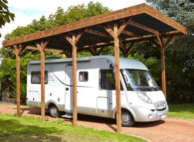 Abri camping car en bois avec bardage latéral