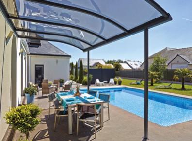 quel abri en kit choisir pour sa terrasse son spa ou sa piscine. Black Bedroom Furniture Sets. Home Design Ideas