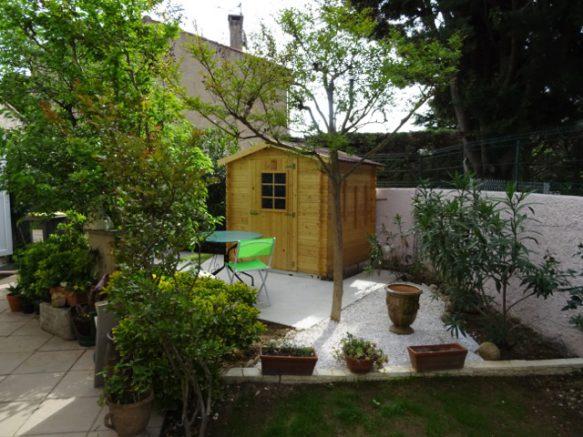 Cabanon bois sans autorisation de Mairie : petit prix ...