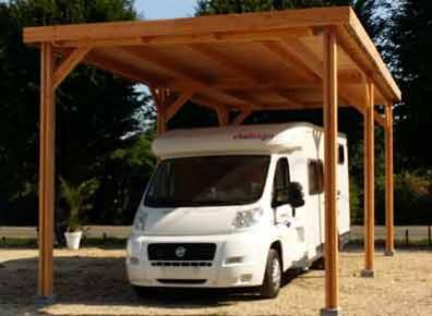 carport en bois pour camping-car