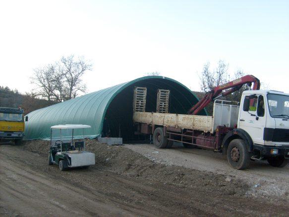 Pour entreposer au sec et en toute sécurité, pensez tunnel PVC de stockage