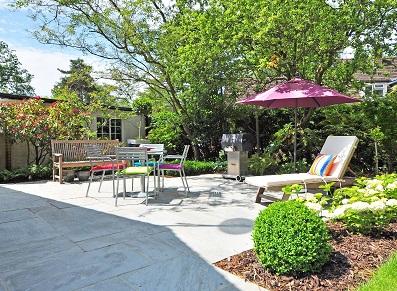 Ranger les jeux des enfants au printemps : l'abri de jardin à votre rescousse !