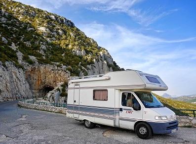 L'hivernage du camping-car peut être… pliant et en PVC !