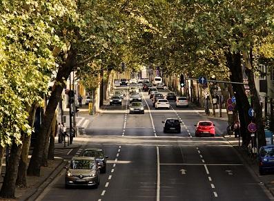 Moins de voitures en France ? Mais toujours besoin de carports !