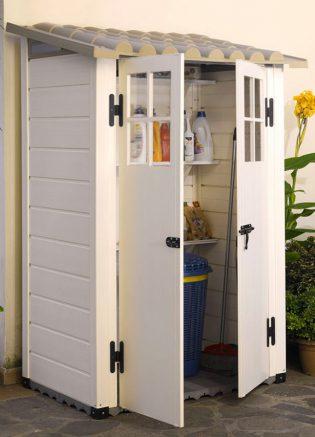 Un abri en résine PVC à fixer au mur pour stocker de manière discrète et en toute sérénité !